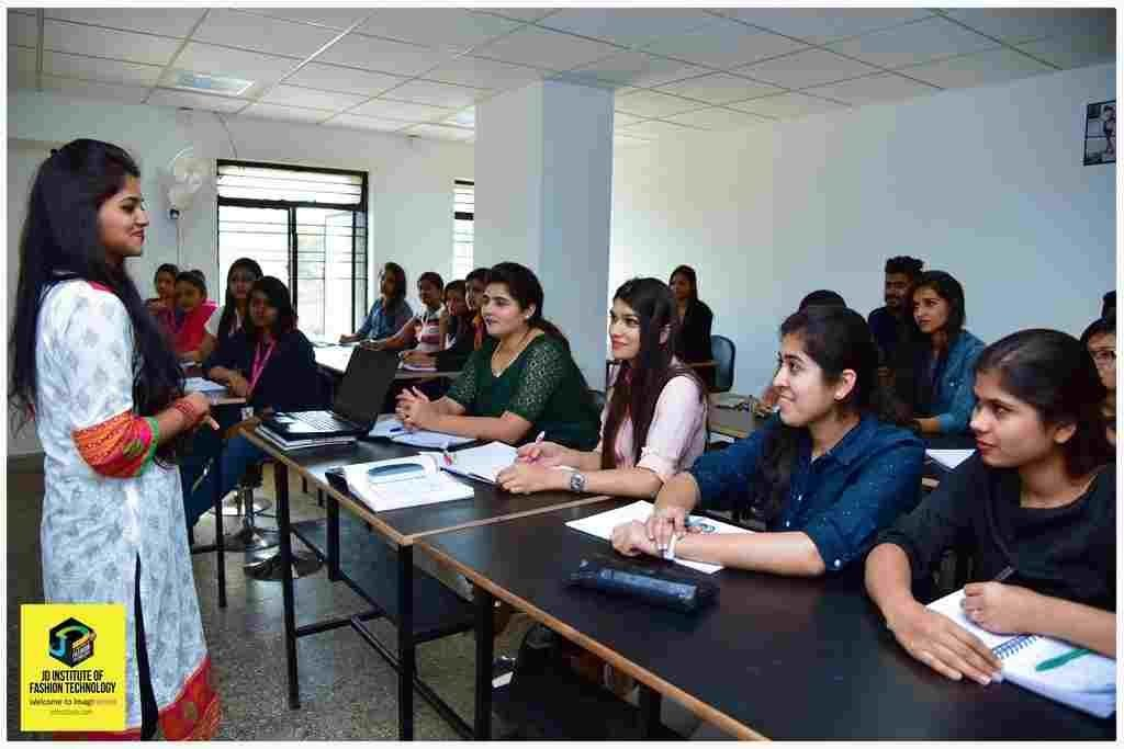 What can you do with a fashion designing degree in India?