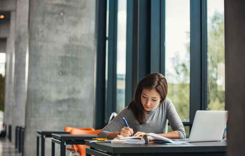 how to select BBA Colleges in Noida